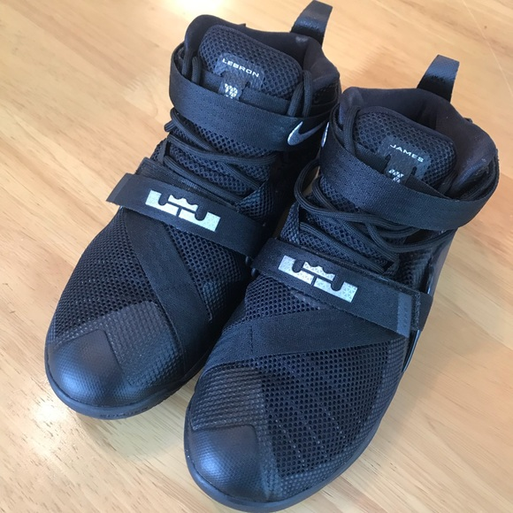 new product 905d4 7ade1 Lebron Soldier 9–Kids Sz 6Y